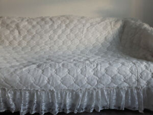 Bed Spread , New , Excellent Condition , Queen Size
