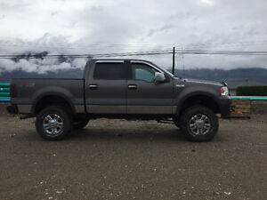 2005 lifted Ford F-150  Pickup Truck