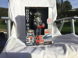 """""""LOST IN SPACE"""" ROBOT B9. LARGE SIZE ROBOT. VARIOUS ACTION MOVEMENTS."""