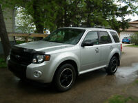 2009 Ford Escape SLT SUV, Crossover