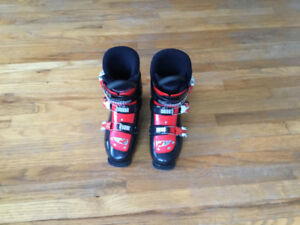 Youth Ski Boots used only one season size 27.5  $40