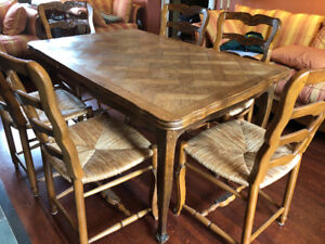 French Country dining room table & Chairs - Antique ELTE