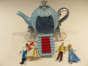 Disney Cinderella Carriage with 4 figurines - $5.00