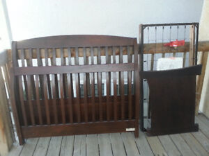 Beautiful Sleigh Crib looking for new home!
