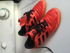 Adidas indoor gym shoes