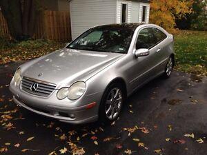 Mercedes C320 2003 à vendre 4000$ nego