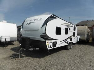 2019 Forest River Palomino Solaire 211BH 21 pieds