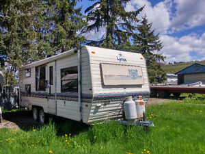 Travel Trailer - 1989 LYNKS - LENGTH 24""