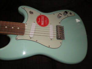 MADE IN MEXICO FENDER DUO-SONIC ELECT GUITAR BRAND NEW $550