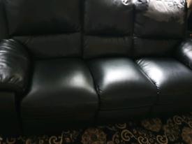 £10 second hand sofa needs to go asap.