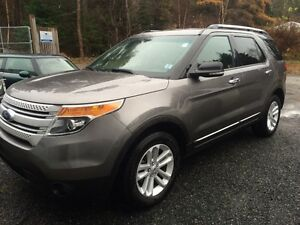 2012 Ford Explorer XLT/4WD/7 PASS/Leather/NAV SUV, Crossover