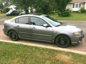 2004 Mazda 3 GT Sport with moonroof and autostart, lady driven