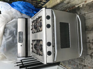 MAYTAG STOVE FOR SALE!