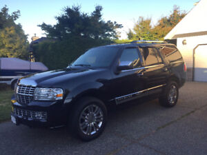 2010 Lincoln Navigator XLT Ultimate SUV, Crossover
