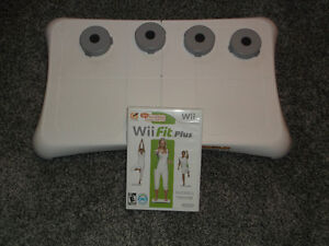NINTENDO WII FIT BALANCE BOARD & WII FIT PLUG GAME