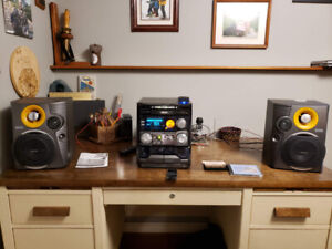 Philips C550 Mini Hi-Fi System (Stereo)