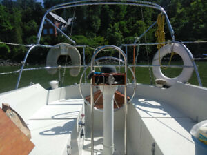 Mirage 27 Sailboat with recently-purchased Furlex furler