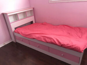Girls pink/white twin bed