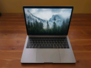 "13"" MacBook Pro 2017 2.5GHz Intel i7/16GB Memory/256GB Storage"