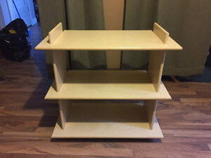1 lamp and 2 shelves units cond cond