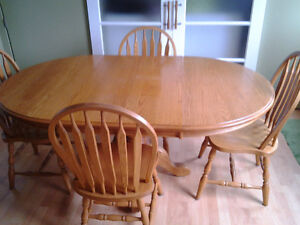 Solid Oak mennonite made dining table