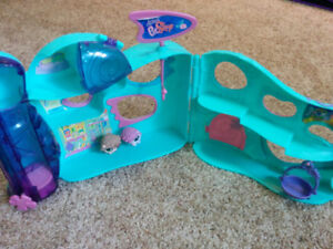 Littlest Pet Shops giant House, with 2 other Pet Shops, $20