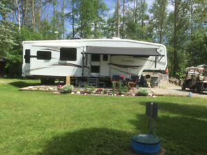 37' Carriage Cameo 5th wheel trailer (recently used as a cottage