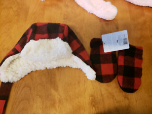 BNWT Indigo Infant 0 - 6 Months Mitts & Hat