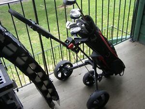 TOP FLIGHT GOLF CLUBS - RIGHT HANDED