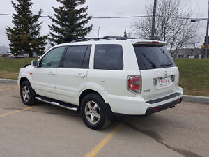 2007 Honda Pilot SUV, 8 Seater Loaded with NAV & Back up Camera