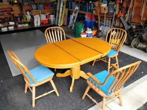 Solid Oak Dining set, leaf insert, 4 chairs