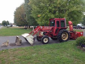 Tracteur International 444 Diesel