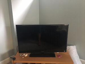 "SONY 40"" TV FOR SALE! (KDL-40EX640)"