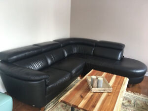 95% NEW ADJUSTABLE TOP GRAIN ALL LEATHER SECTIONAL COUCH