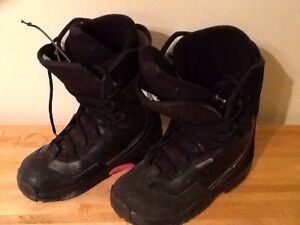 Women's size 9 1/2 Snowboard Boots