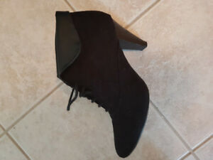 Women's Black Faux Suede Mid Boot