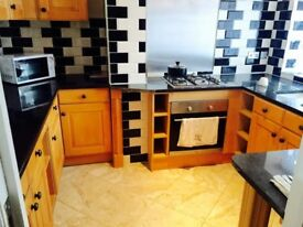 Rooms to let with ensuite/ Flat