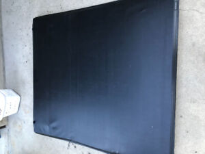 2014-2019 Good Condition Gmc/Chevy  Tonneau Cover For sale!