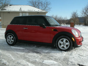 2011 Mini Cooper: Yes Only 93Kms,Extra Clean Must See!