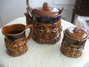 THE OLD VINTAGE PROFESSOR'S 5-Pc.BROWNSTONE POTTERY TEA SET