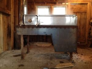 What dealers sell maple syrup equipment?