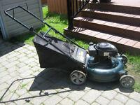 Tondeuse Yard Machines (4 hp / 21) déchiqueteuse et sac arrière