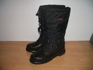 """"" SOREL """" boots / bottes --- near new --- size 7.5 - 8 US lady"
