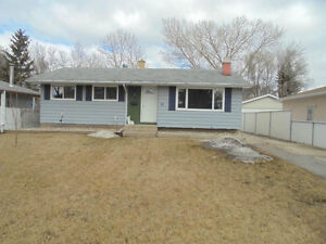 4bed/3bath home! Great location w/ finished basement & garage!