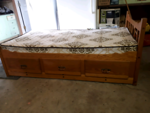 Solid Oak. 3 drawer, single size,  CAPTIONS BED. With mattress.