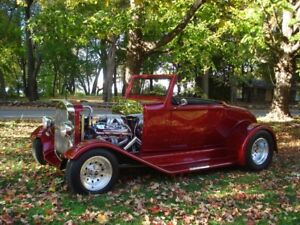 Voiture antique Ford Roadster 1931 Hot Rod