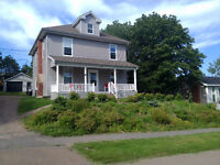 5 rooms.Minutes from Mt. A Univ. Sackville, NB