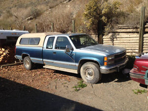 92 Chevrolet 2500 Silverado 2wd extended cab pickup for parts