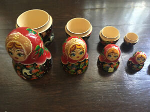 Small Nesting Dolls 5 Piece Wood Display Dutch Toy Play Open 5x