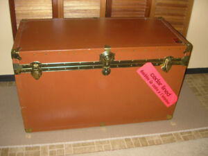 Nice Beautiful HUGE Vintage Union Leather Trunk